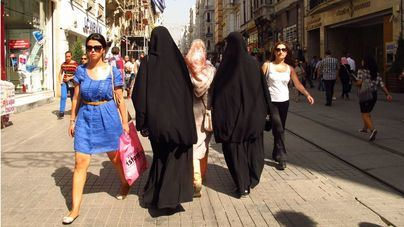 Países Bajos prohíbe el burka en espacios públicos