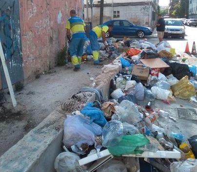 Quejas en Camp Redó porque Emaya no repone contenedores y la basura se acumula en la calle