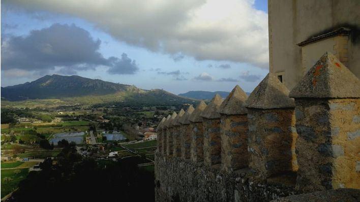Las entidades locales de Baleares destinan al ciudadano más de lo que le reclama vía impuestos