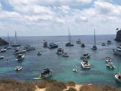 El GOB pide paralizar los fondeos de embarcaciones de excursiones turísticas en Portals Vells