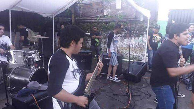 Asesinado a tiros un cantante de metal en pleno concierto en El Salvador