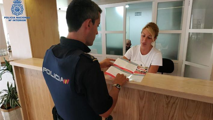 """La Policía alerta por robos en viviendas de Palma con el modus operandi del """"hilo invisible"""""""