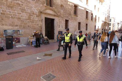 Cort reconoce que faltan 350 policías locales para completar el servicio en Palma