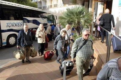 El Gobierno garantiza los viajes del Imserso en octubre