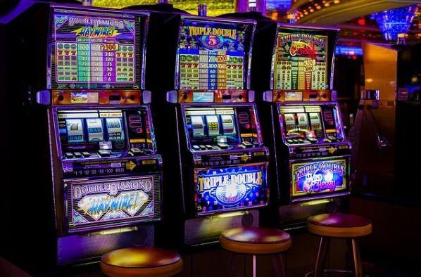 Roban y revientan máquinas tragaperras en ocho bares y restaurantes de Ibiza