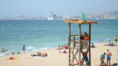 Sólo una de cada tres playas de Baleares tiene servicio de salvamento