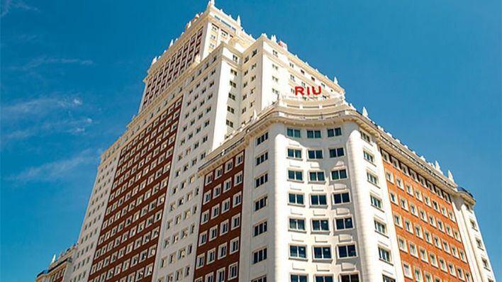 Riu abre su primer hotel en Madrid, el Plaza España