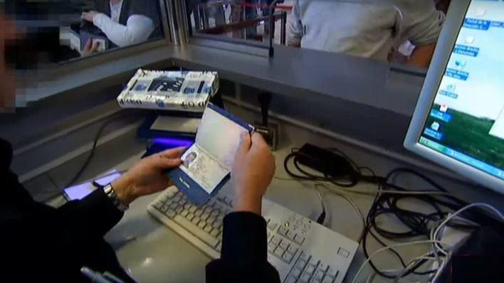 Control de pasaportes