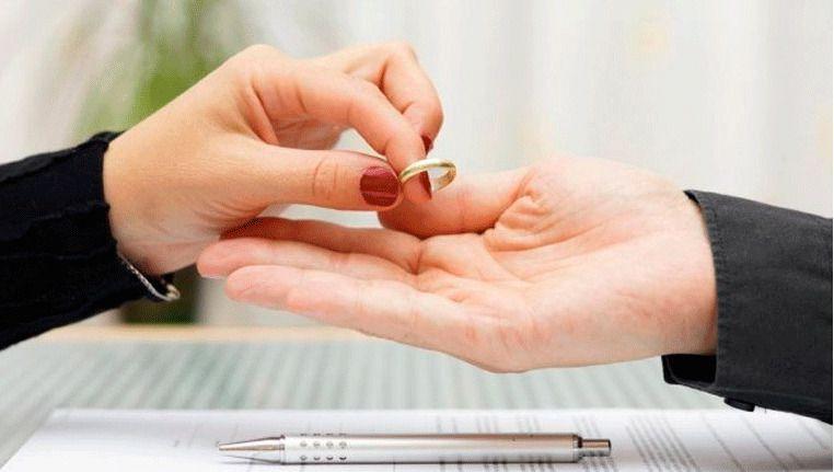 Ocho parejas se divorcian en Baleares cada día