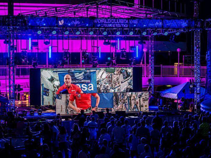 Un astronauta pincha música por primera vez desde el espacio para una fiesta en Ibiza