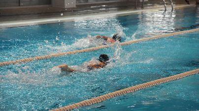 Más de 1.700 niños participan este verano en los cursos de natación y tenis del IME