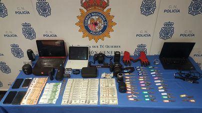 Dos detenidos por una veintena de robos en apartamentos vacacionales de Palma