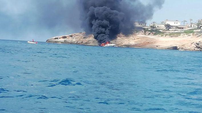 Un herido grave en la explosión de un barco en Port Adriano