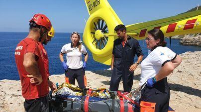 El 061 estrena un helicóptero medicalizado en dos rescates en Banyalbufar y Escorca