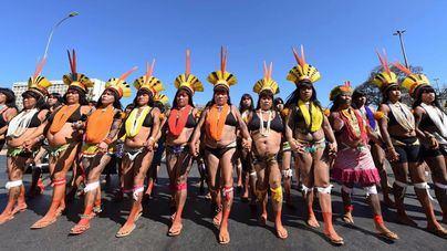 Mujeres indígenas protestan en Brasil contra las políticas de Bolsonaro