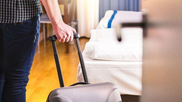 Los hoteles de Baleares ganan un 2,4 por ciento de viajeros, pero las pernoctaciones bajan un 1,45