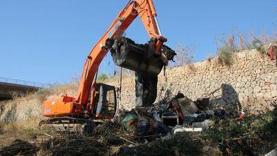 Retiran toneladas de basura del Torrent de Sa Riera