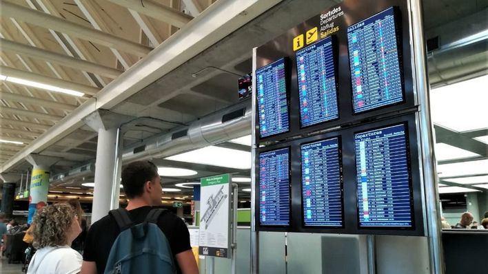 """Sin incidentes"" en Palma en el segundo día de huelga de controladores de pasaportes"