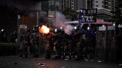 La Policía de Hong Kong detiene a 36 personas, entre ellas un niño de 12 años