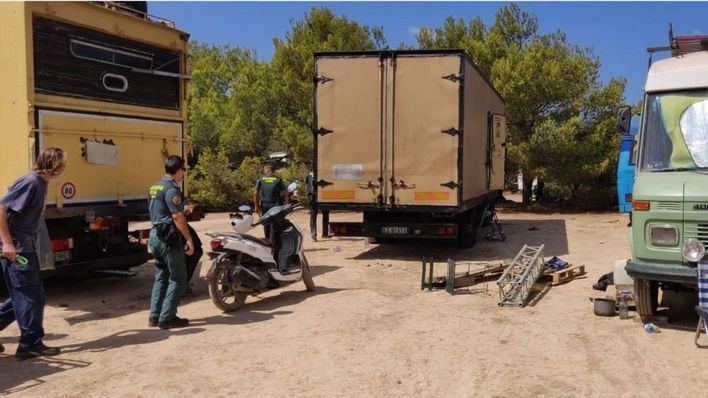 """Unos 90 agentes desmantelaron la """"rave"""" ilegal de Ibiza"""