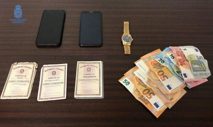 Dos detenidos dentro de un avión por robarle el Rolex al fiscal Barceló en Palma