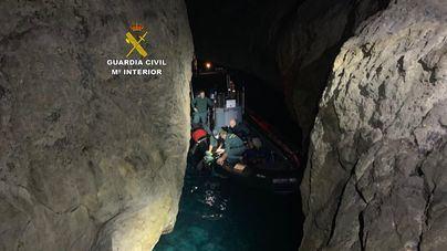 Rescate de madrugada de dos hombres atrapados en el torrent de Na Mora de Sóller