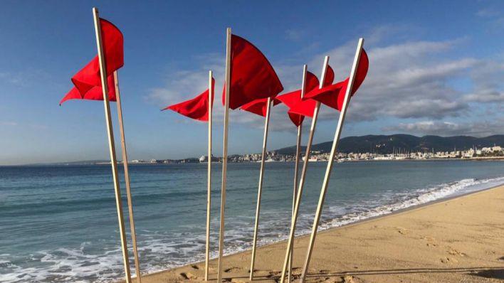 Las playas de Palma continúan cerradas por vertidos fecales