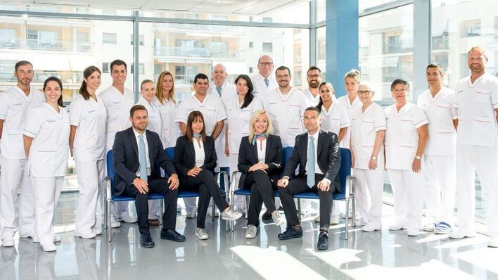 Los hospitales del Grupo Juaneda estrenan uniformes