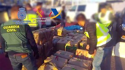Cae una organización de narcotraficantes que transportaba el hachís en una embarcación deportiva