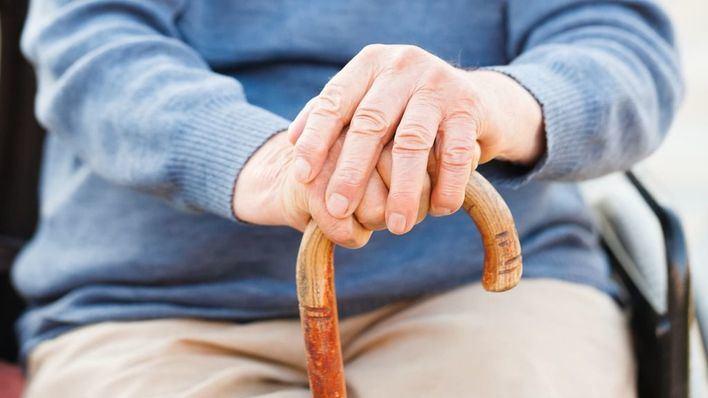 Un anciano de 94 años mata a bastonazos a su mujer