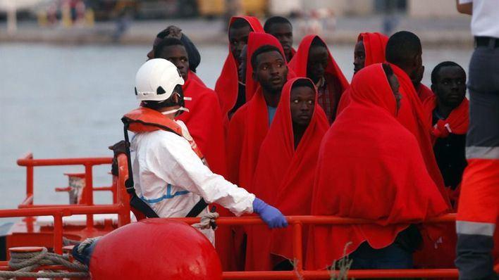 Baja un 45 por ciento la llegada de migrantes en patera a España