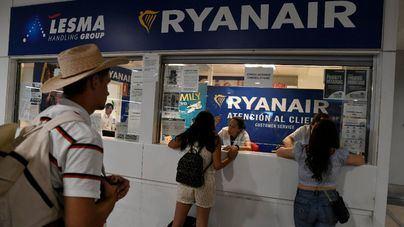Los pilotos de Ryanair se suman a los tripulantes de cabina y harán 5 días de huelga desde el día 19