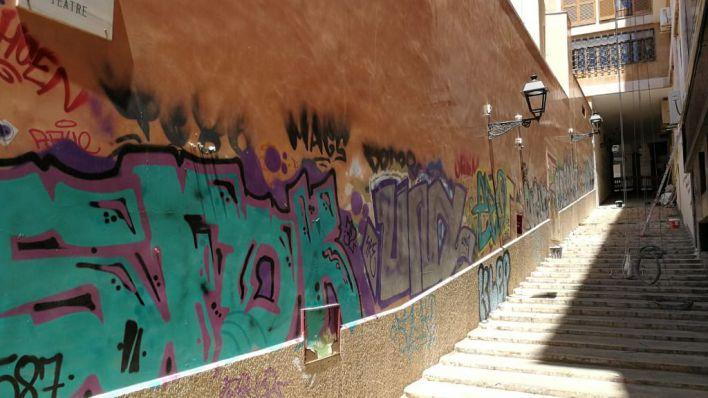 ARCA recoge este sábado firmas a favor de su campaña antipintadas vandálicas