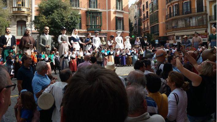Gegants y Xeremiers toman las calles de Palma