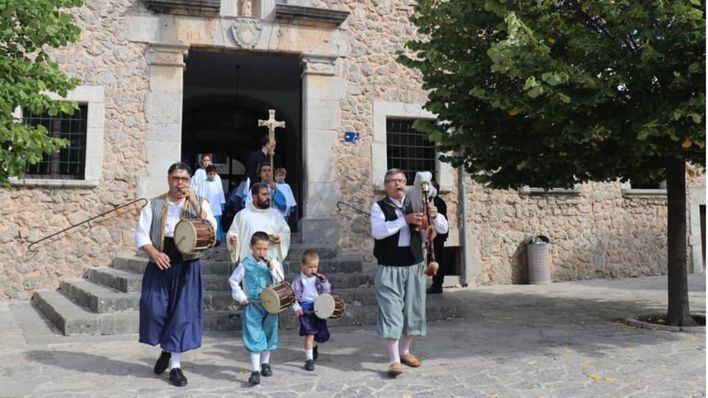 Una misa de acción de gracias pone fin a 128 años de 'coritos' en Lluc