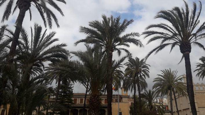 Lunes nuboso y con probabilidad de chubascos por la tarde