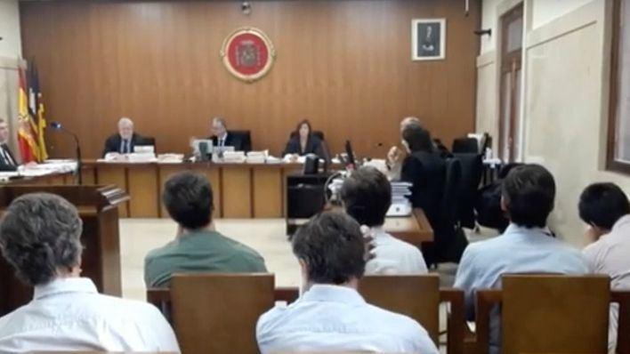 Suspenden el juicio a los hermanos Ruiz-Mateos hasta este martes