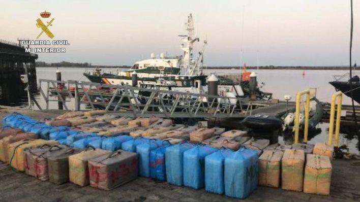 La Guardia Civil incauta más de 11 toneladas de hachís en cinco días