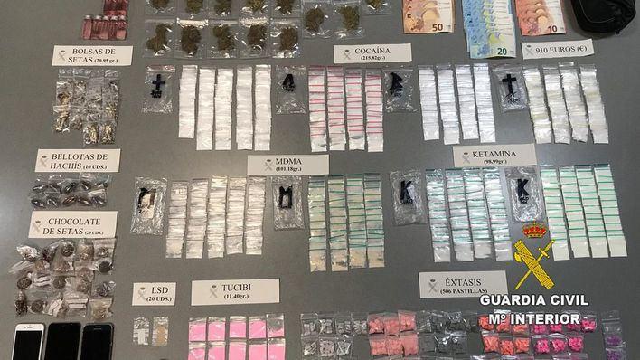 Detenido el conductor de un taxi pirata cargado de drogas en Ibiza