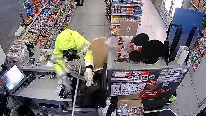 Identificado un preso como el atracador de una gasolinera en Palma