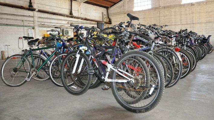 La Policía Local de Palma entrega 263 bicicletas a Deixalles y Càritas