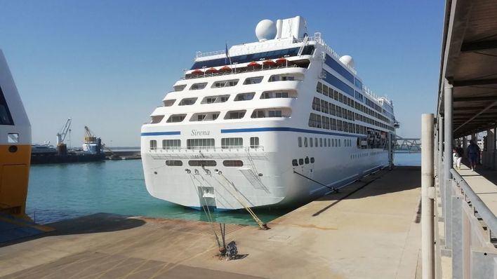 El Govern dice que la inversión del Estado en el puerto de Palma 'es compatible' con limitar cruceros