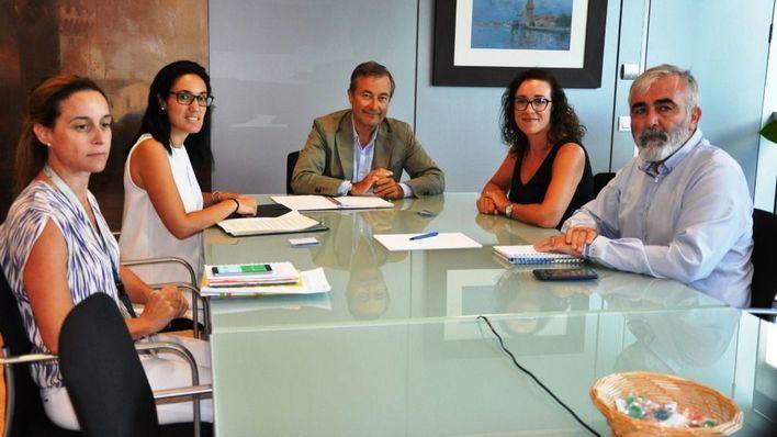 La Autoridad Portuaria comprará un camión para que Bombers de Palma actúen en el puerto y en el casco antiguo