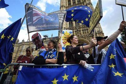 La Mesa del Turismo pide al Gobierno que explique cual es el plan ante un 'brexit' duro
