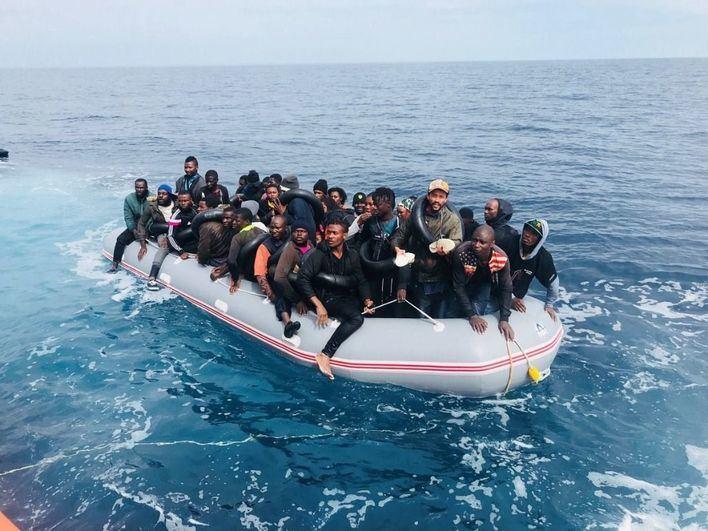 Malta acoge a 90 migrantes rescatados por Italia frente a las costas de Libia