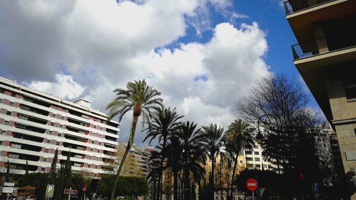Viernes con intervalos nubosos y baja probabilidad de lluvia en Mallorca