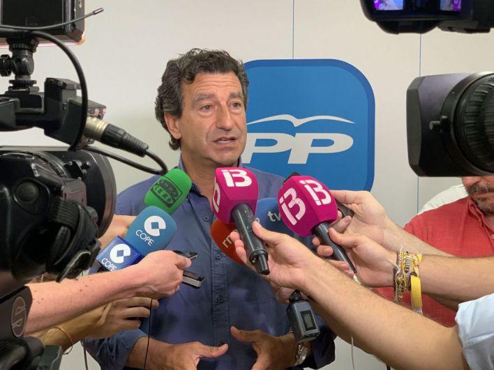 Company acusa a Sánchez de hacer