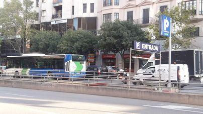 Colapso circulatorio en las Avenidas por la avería de un bus de la EMT