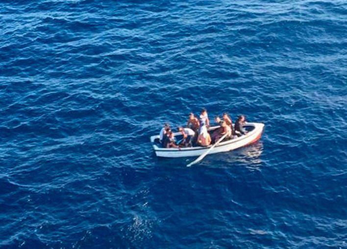 En libertad otros nueve inmigrantes llegados en patera a Ibiza por falta de espacio en CIEs