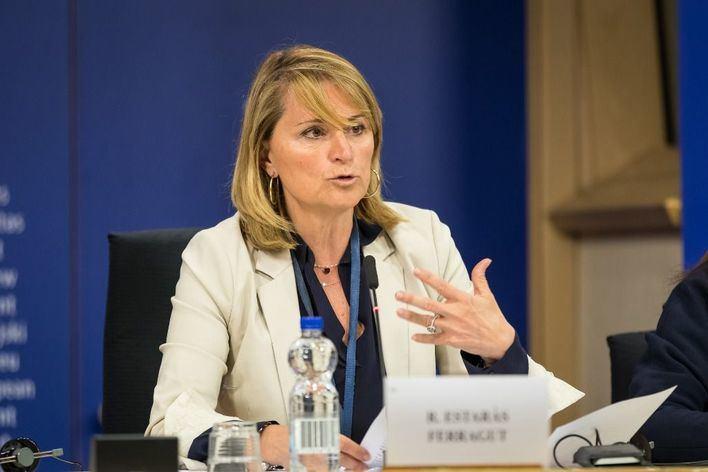 Rosa Estaràs pide a la UE que palie el efecto de la crisis de Thomas Cook con los fondos comunitarios